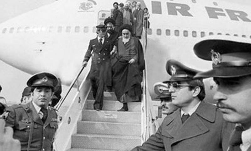 من-هو-خميني-وكيف-سرق-الثورة-الإيرانية-۳