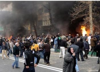 ليست أمريکا العدوة الکبرى لملالي إيران