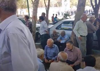 إيران.. احتجاجات مزارعين في أصفهان وعمال في مدن أخرى
