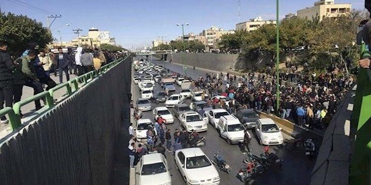 إيران ومخاوف النظام من انتفاضة حتمية للمواطنين بسبب كورونا والفقر