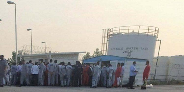 """في إيران إضراب منتسبي حقول """"آزادكان شمالي"""" للنفط عن العمل"""