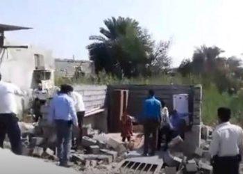 إيران: أم بلامعيل تحرق نفسها بعد أن دمرت قوات الأمن منزلها