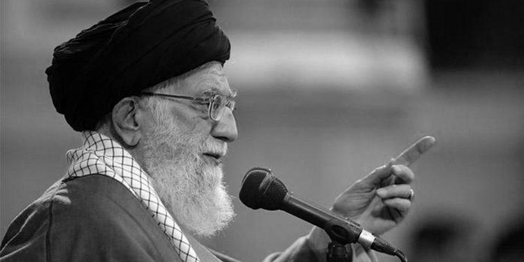 إيران- فتوى خامنئي الإجرامية لحرمان الإيرانيين من لقاح كورونا يعادل إبادةً جماعية