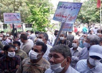 المتقاعدون يحتلون شوارع المدن الإيرانية