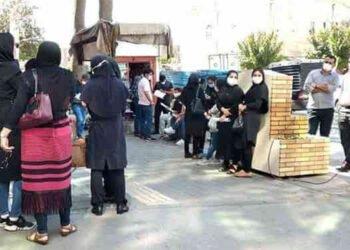 فساد حكومي، مظالم اقتصادية، تفشي كوفيد يثير احتجاجات في عدة مدن في إيران