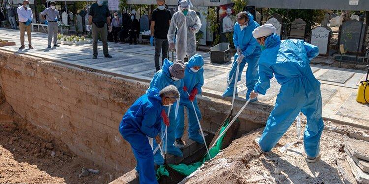 أكثر من 282900حالة وفاة بفيروس كورونا في 541 مدينة في إيران